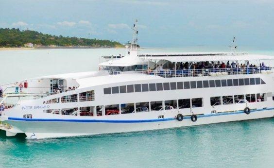 [Veículos esperam 2h para embarcar no Ferry na Ilha de Itaparica]