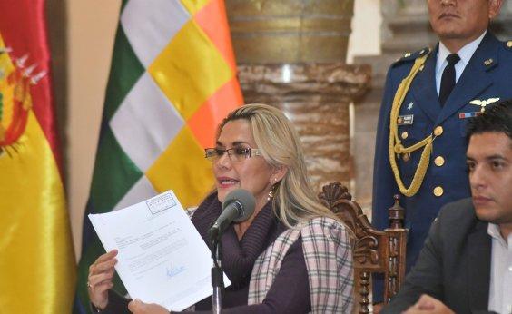 [Presidente interina da Bolívia pede renúncia de todos seus ministros]