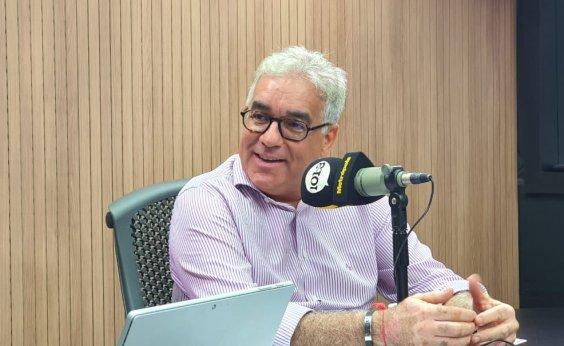 [Zé Neto diz que prefeito de Feira tem microfone na mão, mas não comanda programa]