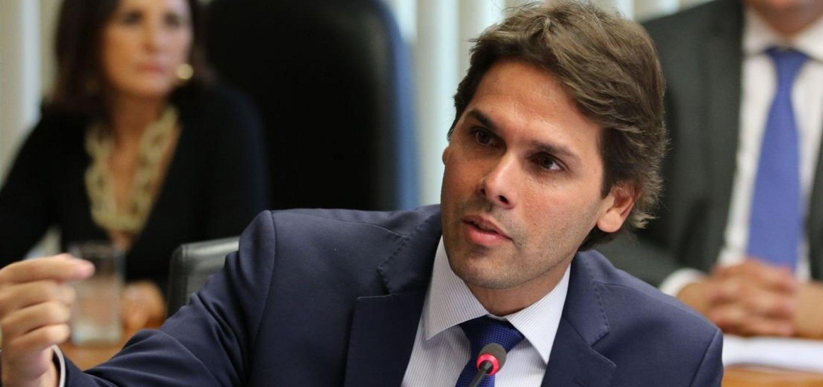 [Governo anuncia demissão do presidente do INSS, Renato Rodrigues Vieira]
