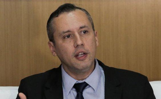 [Associado ao nazismo, Roberto Alvim ainda não foi exonerado da Funarte]
