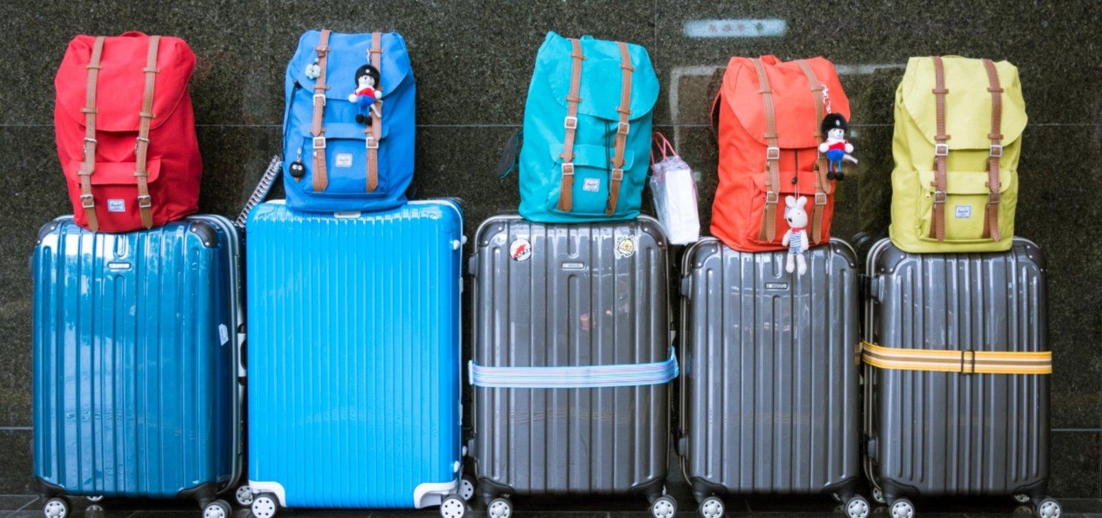 [Companhias aéreas começam a cobrar para embarque de bagagem de mão]