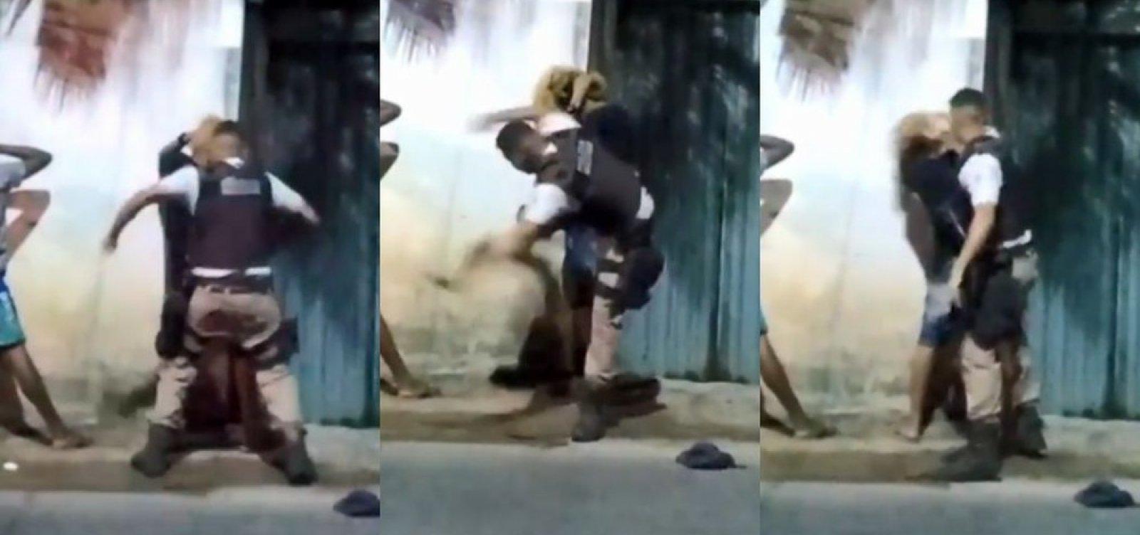 [PM filmado agredindo jovem em Salvador é afastado e cumpre expediente administrativo]