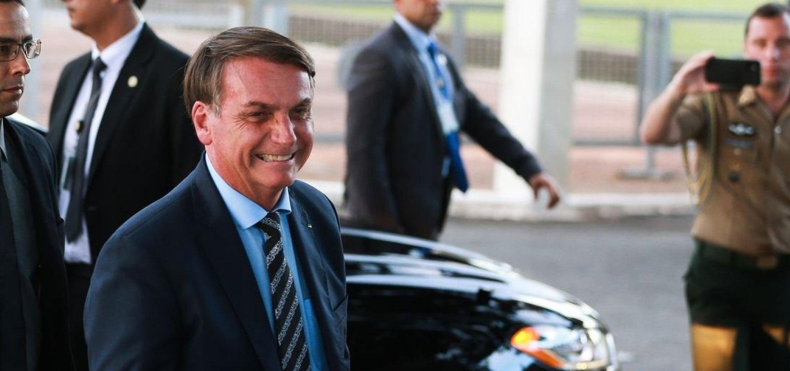 [Bolsonaro diz que vai zerar imposto federal sobre combustíveis se os governadores zerarem o ICMS]