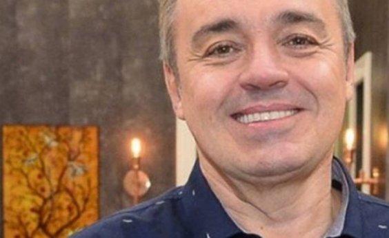 [Leo Dias revela nome de suposto namorado de Gugu Liberato]