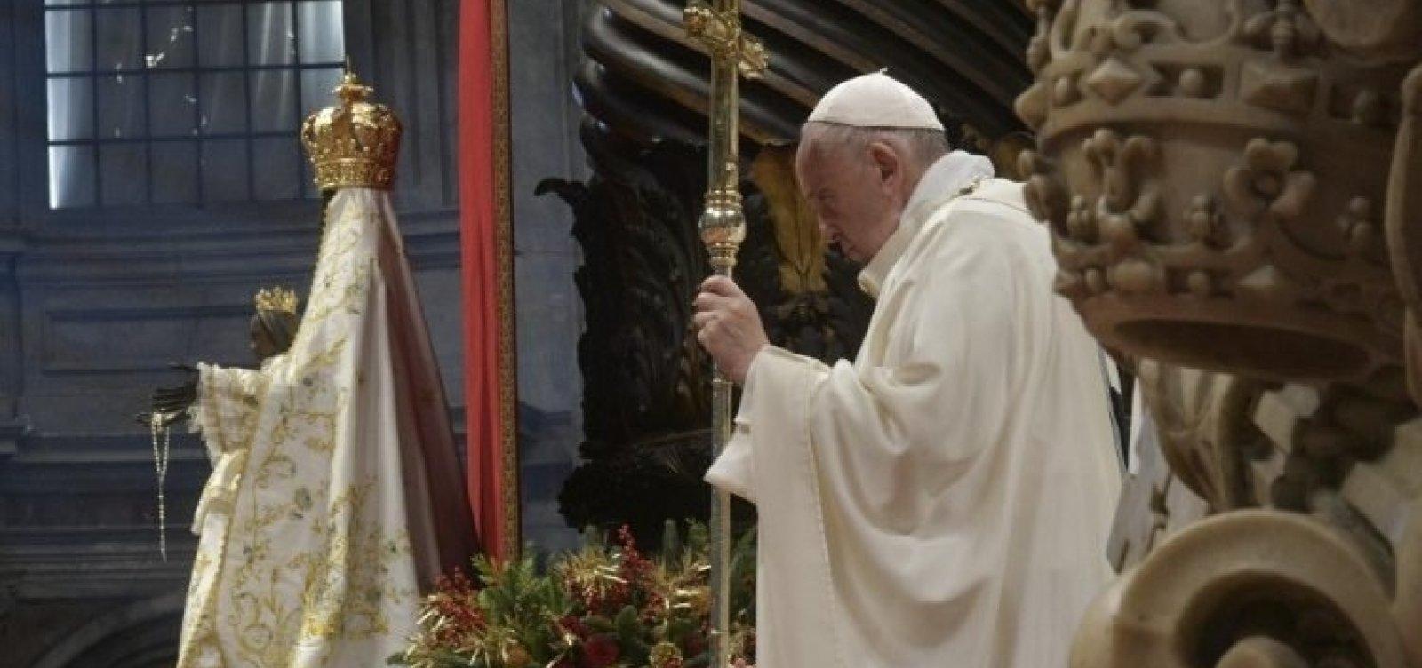[Papa Francisco descarta ordenação de homens casados como padres na Amazônia]