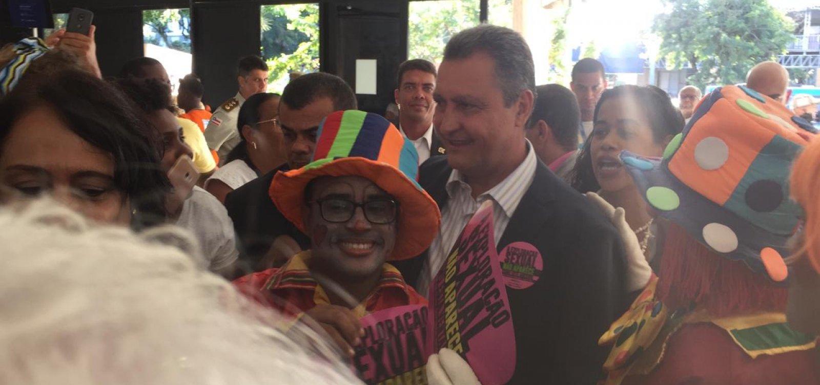 [Rui rechaça Guedes e diz que Brasil tem 'herança escravocrata']