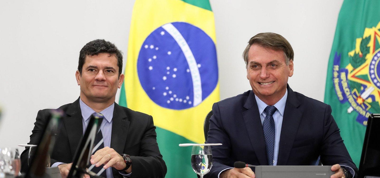 [Em silêncio sobre morte de ex-PM, Bolsonaro defende Moro e diz que PSOL protege milícia]
