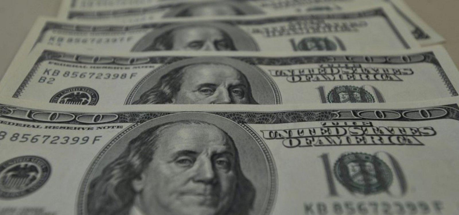 [Dólar fecha abaixo de R$ 4,30 em mais um dia de intervenção do BC]