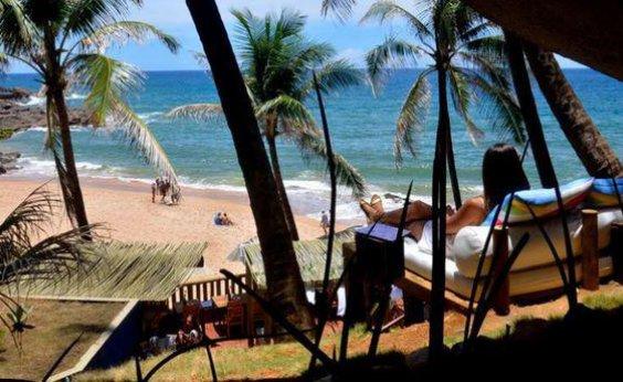 [Após denúncia de moradores, Blue Praia Bar diz que fiscais não encontraram irregularidades]