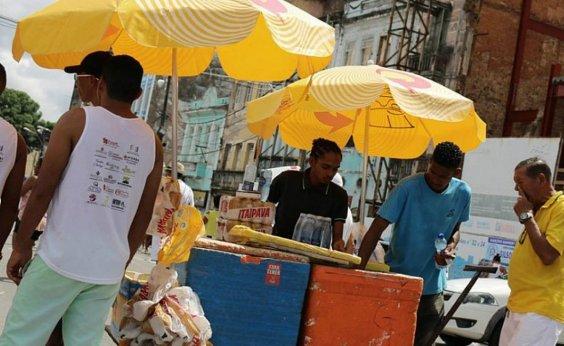 [Kits para ambulantes que atuarão no carnaval começam a ser entregues]