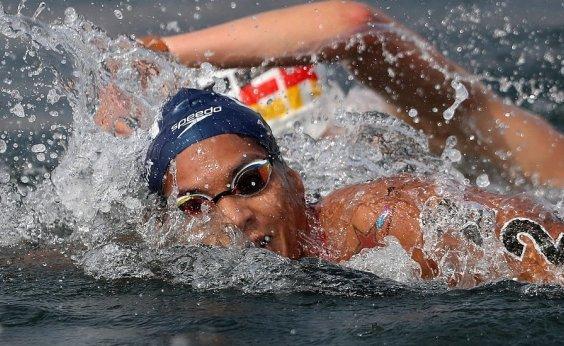 [Ana Marcela Cunha estreia Mundial de Maratona Aquática com medalha de prata]