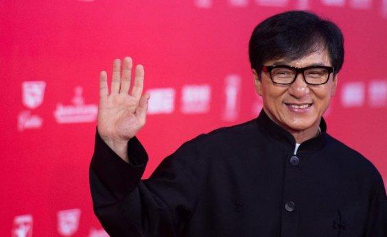 [Jackie Chan oferece recompensa em dinheiro a quem encontrar cura para coronavírus]