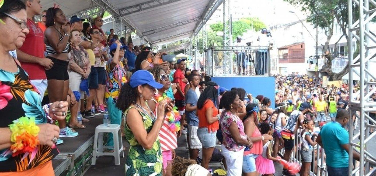 [Venda de ingressos para arquibancada do carnaval segue até domingo ]