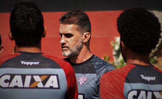 [Advogado de Mancini e Rodrigo repudia fala de Paulo Carneiro sobre 'armação' em jogo do Vitória]