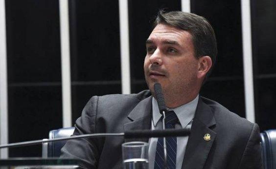 [Oposição pede cassação do mandato de Flávio Bolsonaro por quebra de decoro]