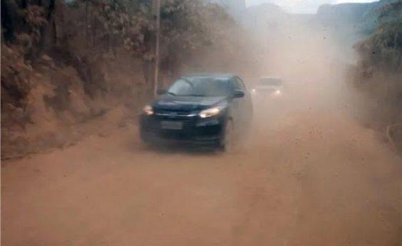 [Governo ignora polêmica e abre licitação para pavimentar estrada do Vale do Capão]