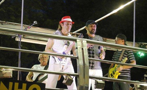 [Quinta de Carnaval tem Armandinho, Brown e atrações para a pipoca; veja programação dos circuitos]
