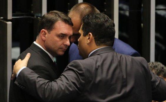 [Ex-vereador revela que Flávio Bolsonaro visitou ex-PM Adriano da Nóbrega na prisão]