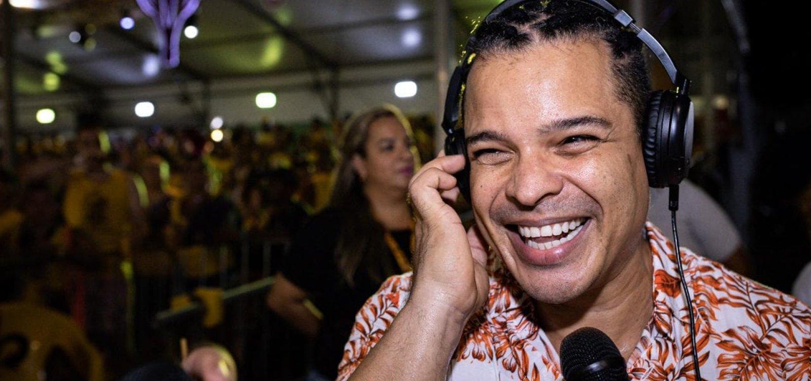 [Adelmo Casé elogia carnaval de rua e projeta: 'Ano que vem estarei com minha pipoquinha']