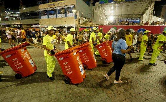 [Toneladas de lixo já recolhidas no Carnaval equivalem a quase 20 trios]