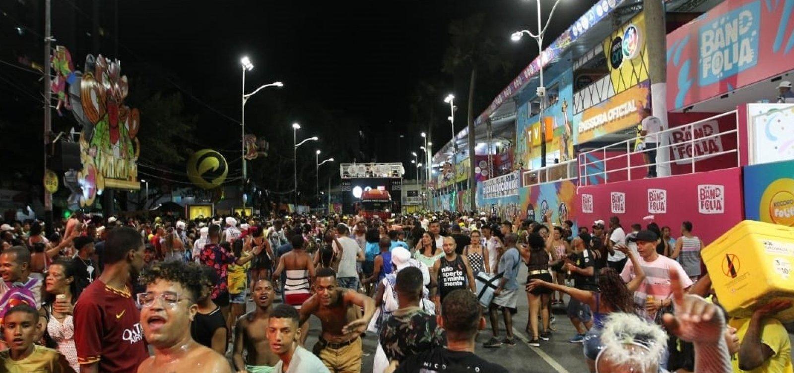 [Forçou a Barra: superlotação do Circuito Dodô ameaça carnaval no Campo Grande]