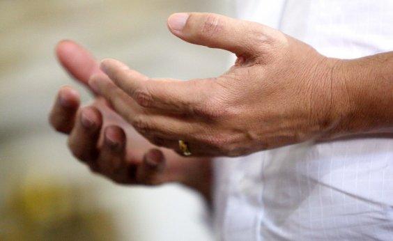 [Por medo do coronavírus, Arquidiocese recomenda 'não dar as mãos no Pai-Nosso']
