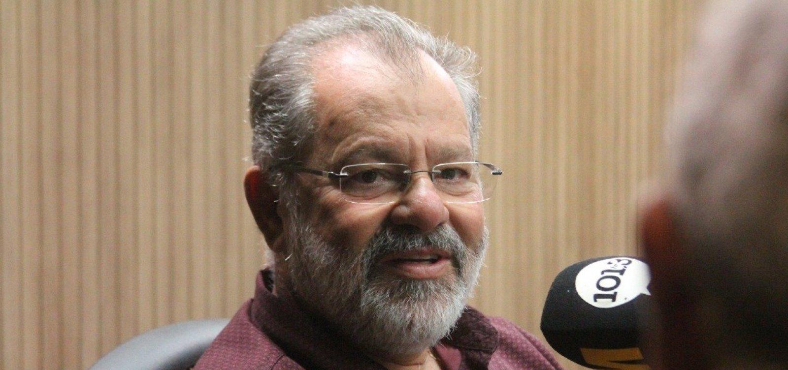 [Nilo critica Bolsonaro, mas diz ser contra processo de impeachment: 'Economia vai lá para baixo']