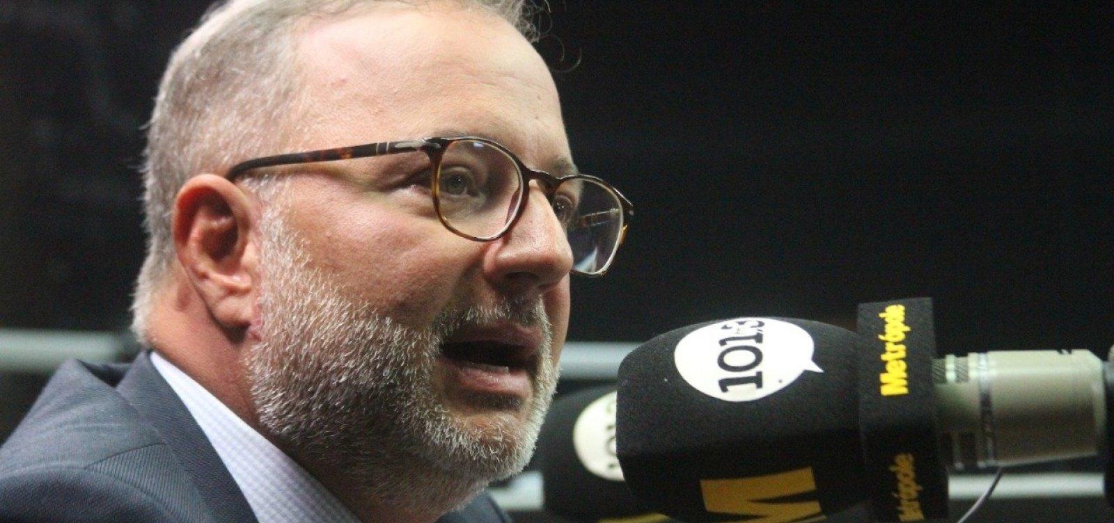 [Coronavírus: Secretário diz que há esforço para localizar quem esteve com casos suspeitos na BA]