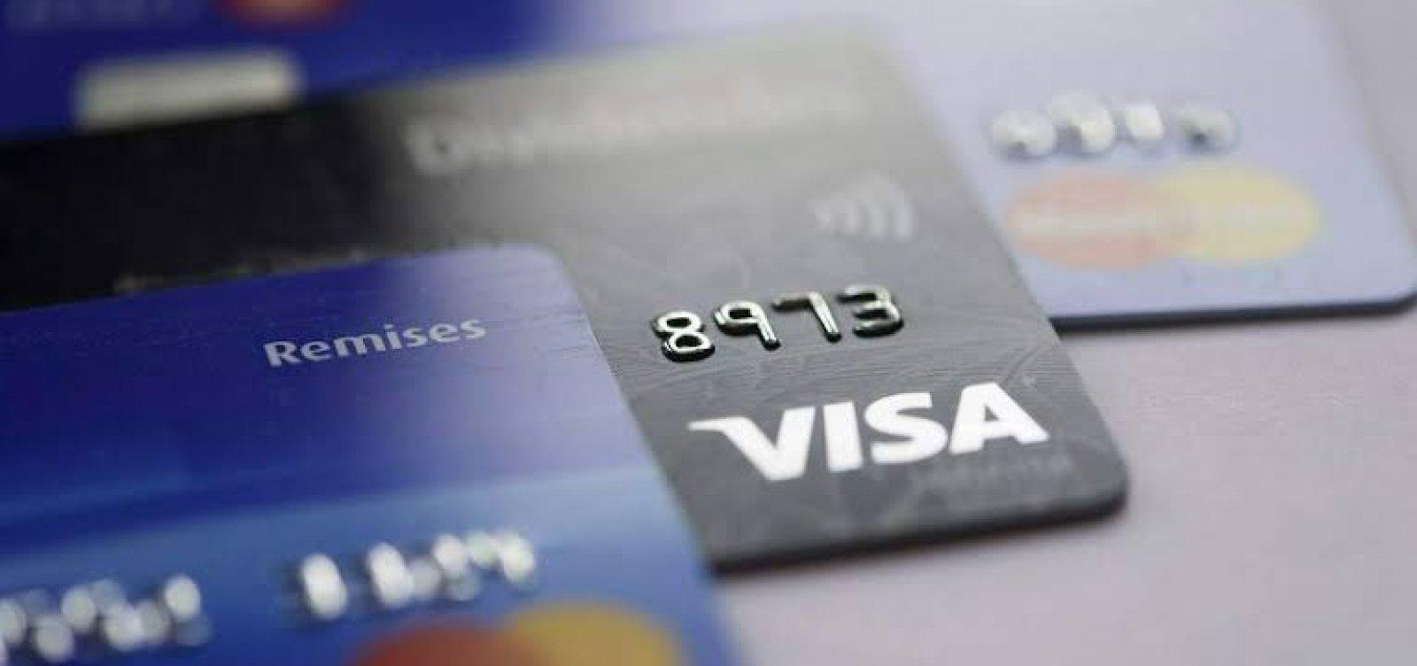 [Pesquisa aponta que 78% das famílias brasileiras têm no cartão de crédito sua principal dívida]