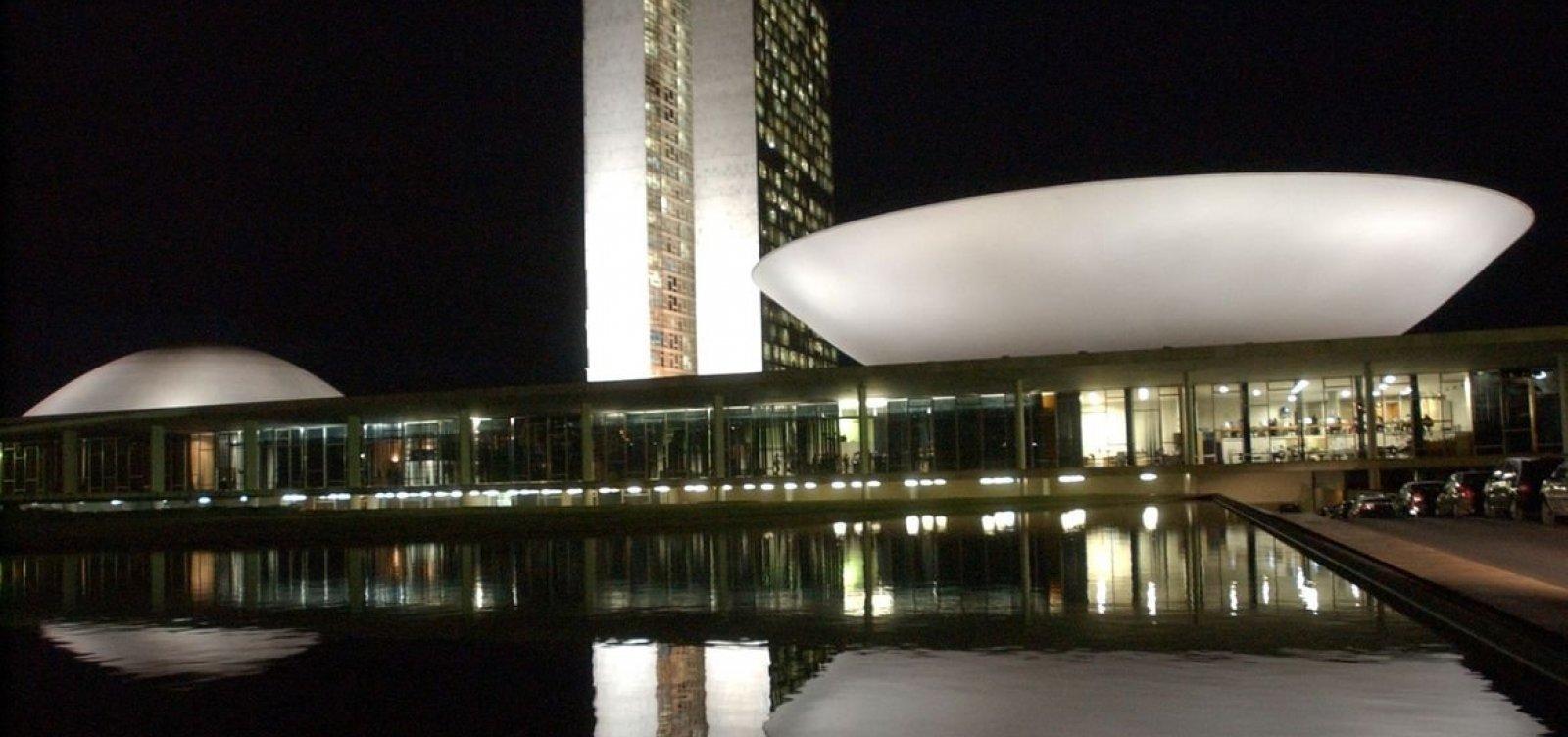 [Congresso Nacional pode analisar hoje veto de Bolsonaro a regras do orçamento impositivo]