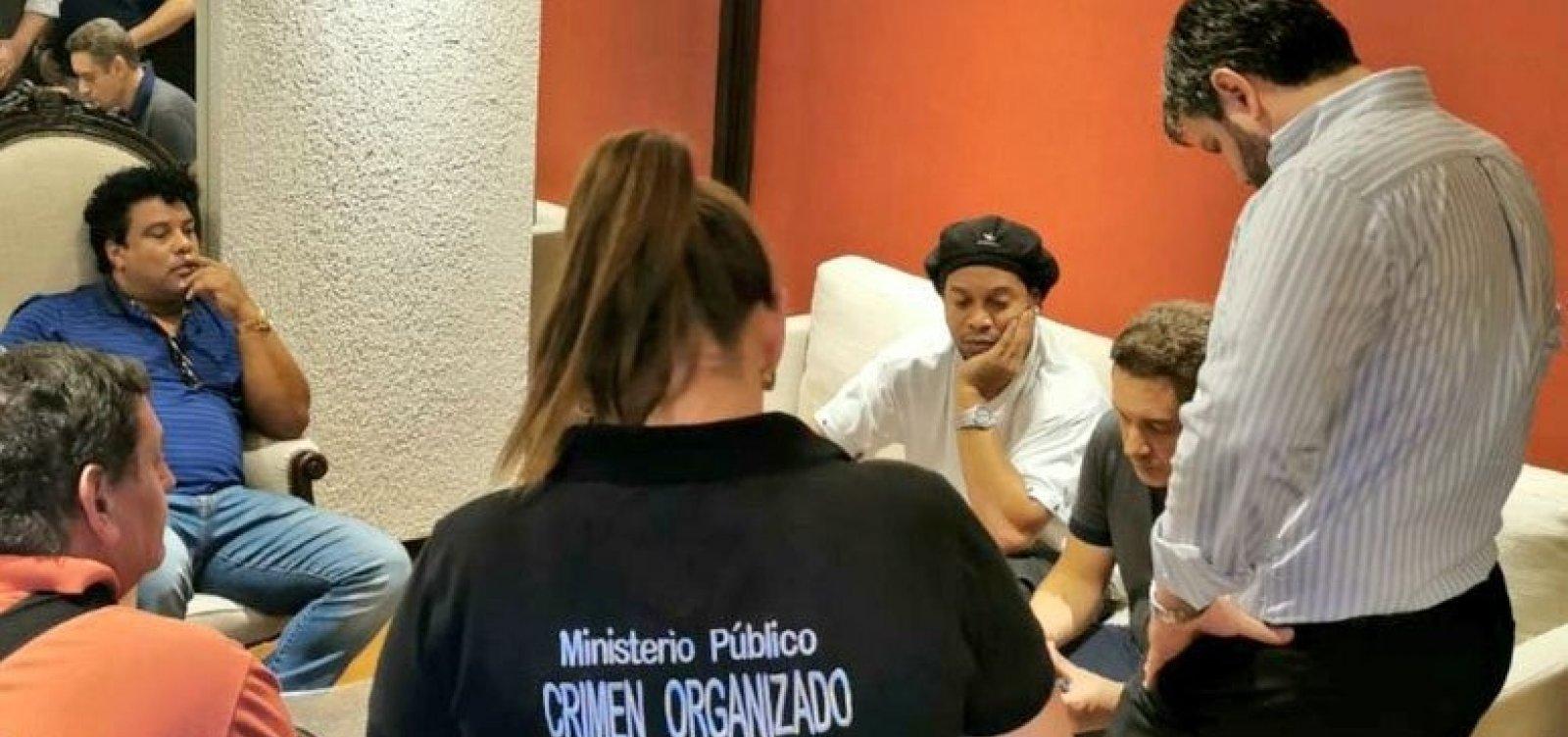 [Justiça do Paraguai nega prisão domiciliar a Ronaldinho Gaúcho e irmão]