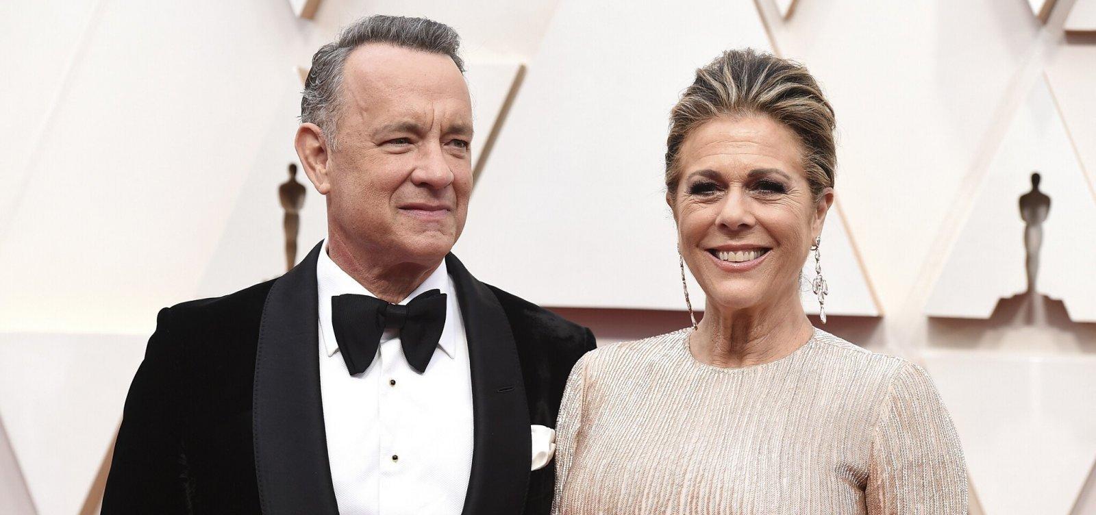 [Após isolamento por coronavírus, Tom Hanks e esposa recebem alta]