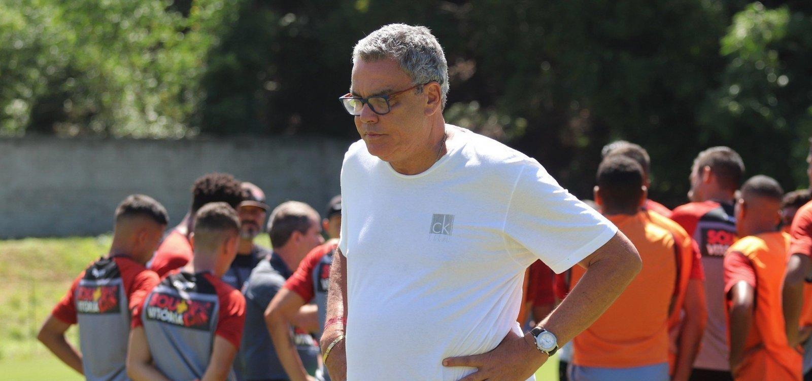 [Paulo Carneiro anuncia desmanche do time de aspirantes do Vitória, que joga o Baianão]