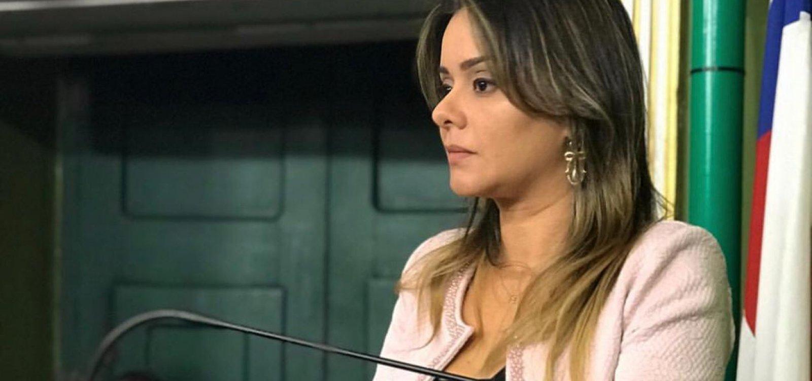 [Vereadora pede reforço policial nos postos de vacinação drive-thru]