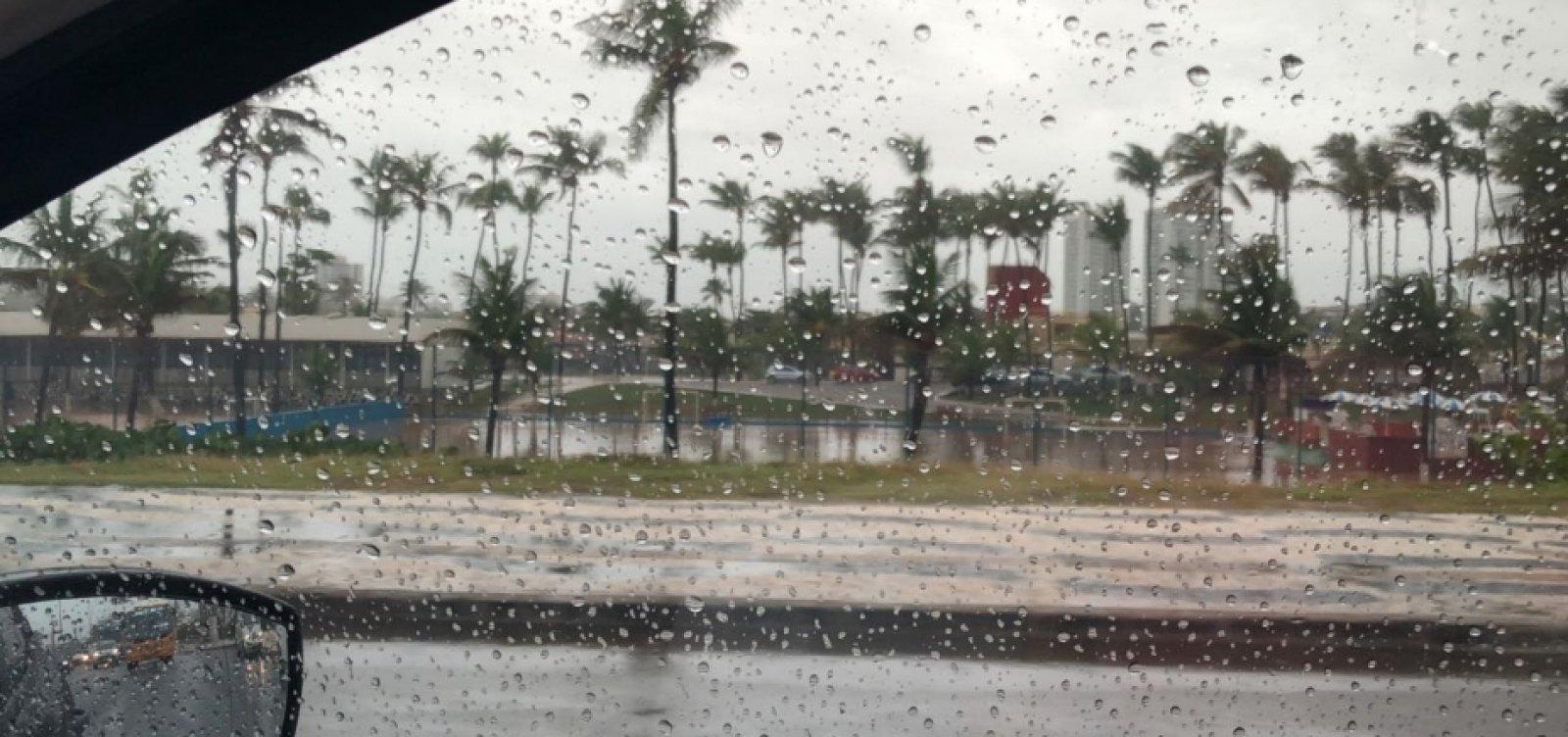 [Salvador deve ter chuvas fracas de quinta-feira a sábado]