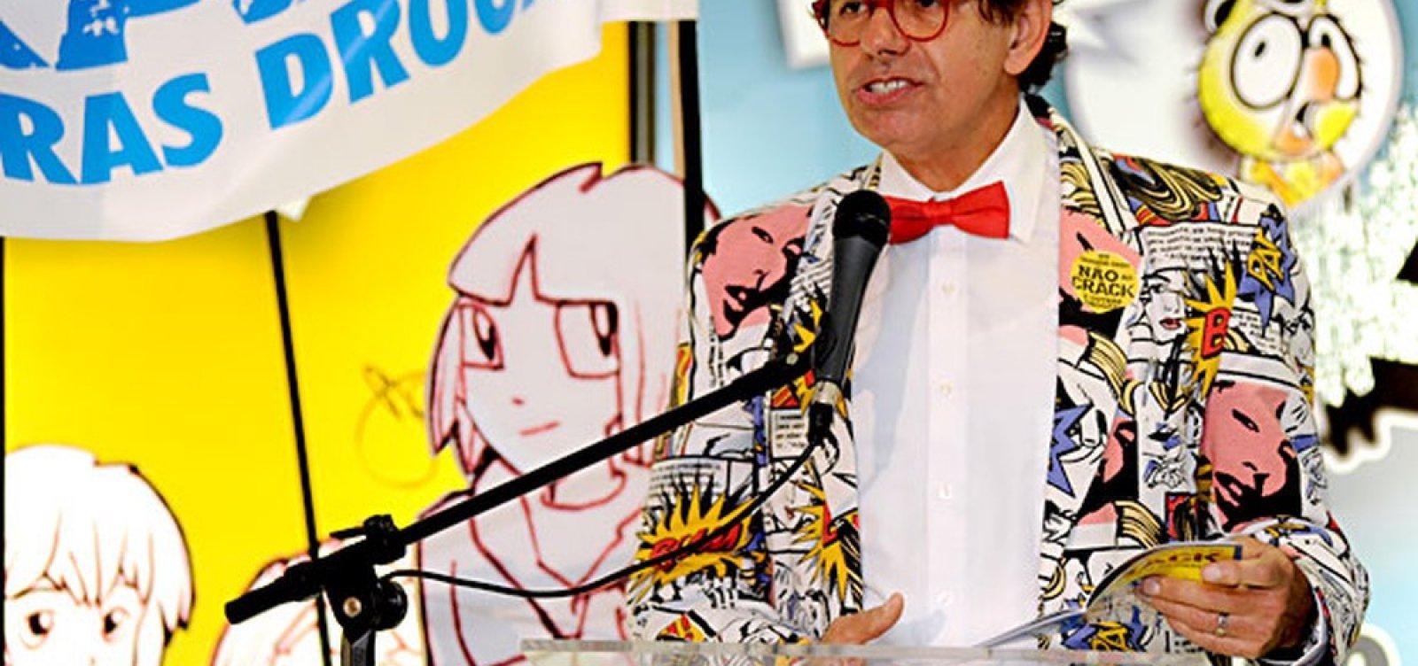[Artista plástico Daniel Azulay morre vítima de coronavírus aos 72 anos]