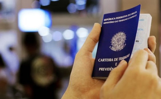 [Medida Provisória de Bolsonaro atinge trabalhadores brasileiros; veja o que muda]