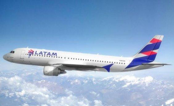 [Companhia aérea suspende rotas internacionais até 30 de abril]