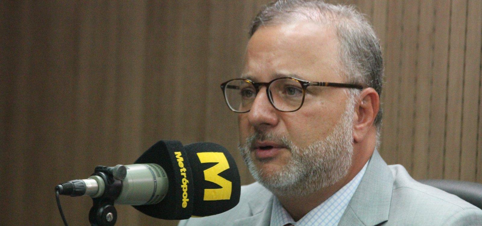 [Secretário aponta 'distância expressiva' de projeção de casos de coronavírus na Bahia]