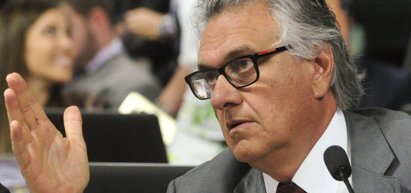 [Se Bolsonaro não agir, vai haver desobediência civil e povo vai quebrar tudo, diz Caiado]
