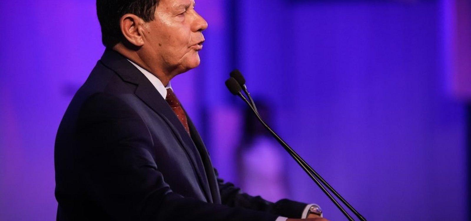 [Forças Armadas intervieram 'para enfrentar desordem', diz Mourão sobre golpe de 64]