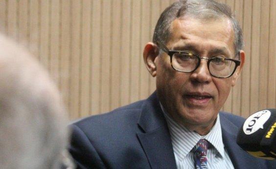 [Bolsonaro 'deve reconhecer que estamos em guerra com o coronavírus', diz Badaró]