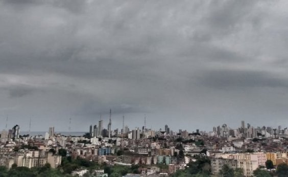 [Codesal alerta para chuvas fracas a moderadas na capital baiana; veja previsão]