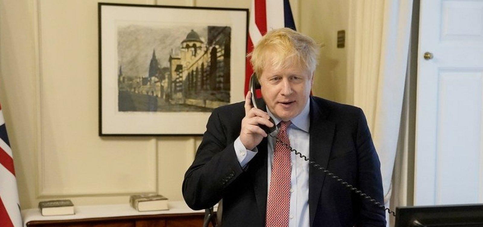 [Após ser infectado com coronavírus, Boris Johnson é internado em hospital]