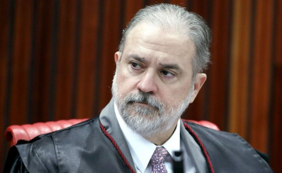 [Bolsonaro tem 'certas imunidades', afirma Aras sobre crise do coronavírus]