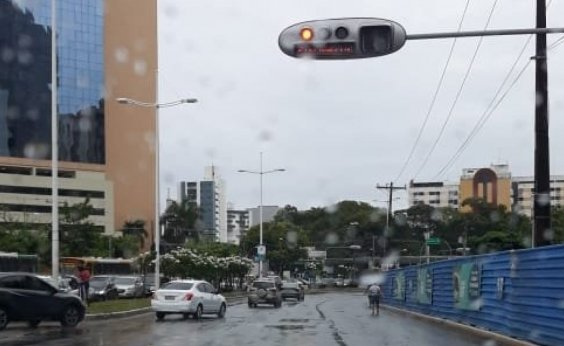 [Bairro de Brotas registra 41 mm de chuva em apenas uma hora; veja boletim]