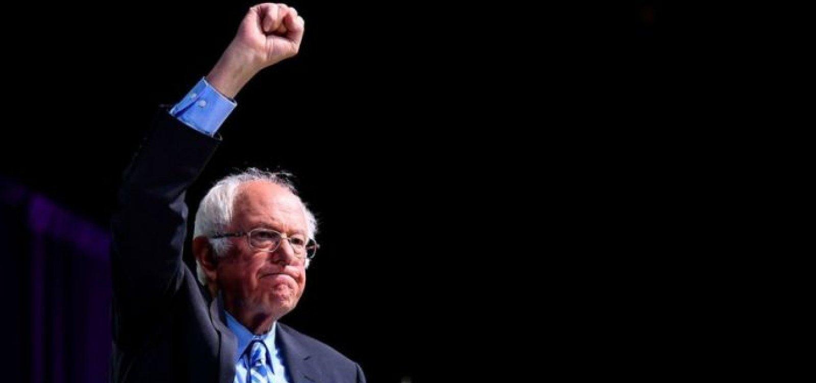[Bernie Sanders desiste de candidatura à presidência dos EUA]