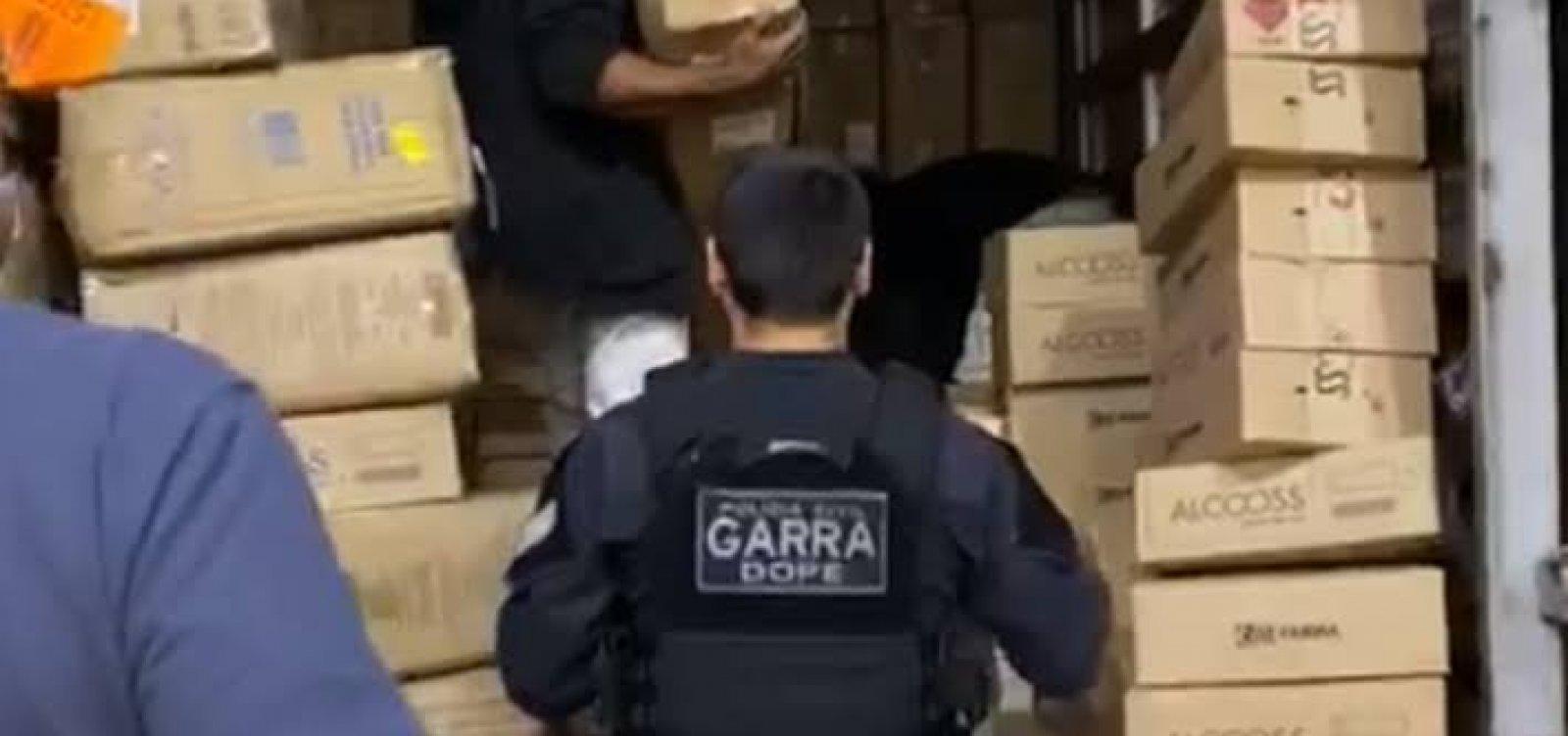 [Polícia prende quadrilha por furto de 2 milhões de máscaras e 15 mil testes de coronavírus]