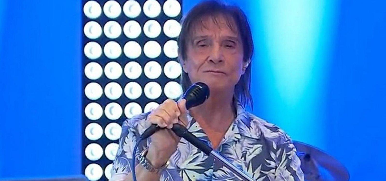 [Roberto Carlos fará live especial no Dia das Mães]